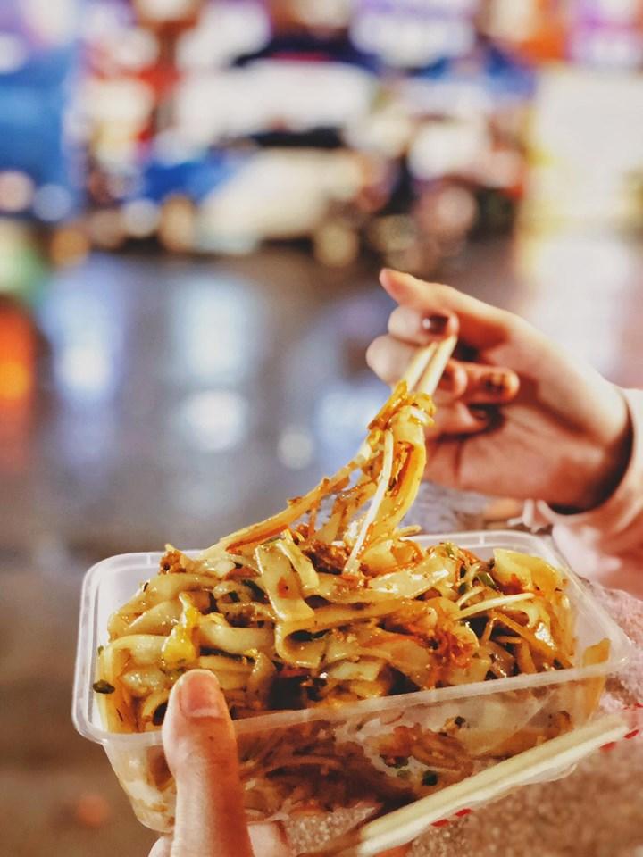 Tổng hợp các món ăn bạn nhất định phải thử khi tới Phượng Hoàng Cổ Trấn